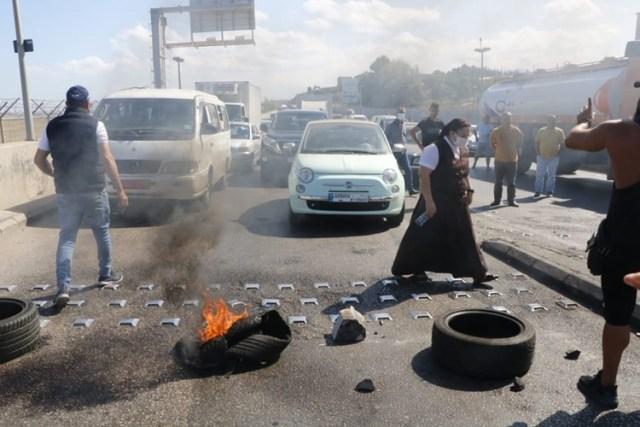 إضراب عام في لبنان احتجاجاً على تردي الأوضاع الاقتصادية
