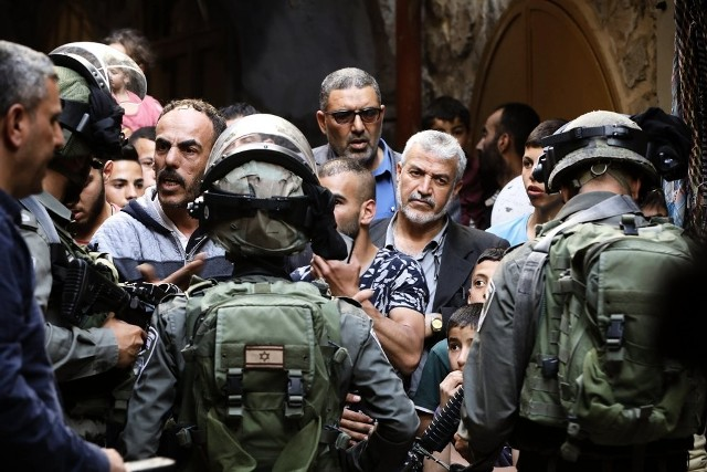 الشعبية: التصعيد الصهيوني بحق الأقصى لعب بالنار