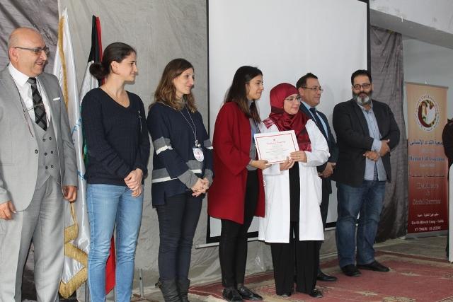 جمعية النداء الإنساني كرّمت أطباء وممرضين