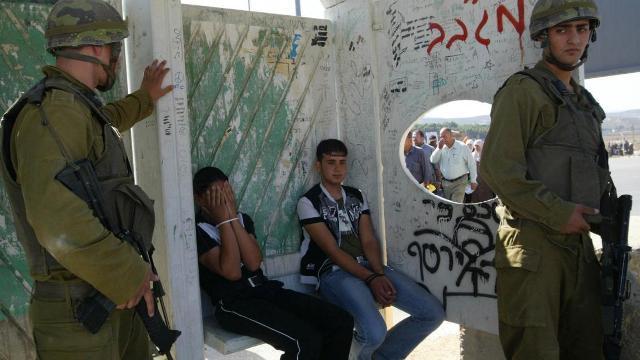 شهادات مروعة لأطفال فلسطينيين تعرضوا للتعذيب أثناء اعتقال الاحتلال لهم