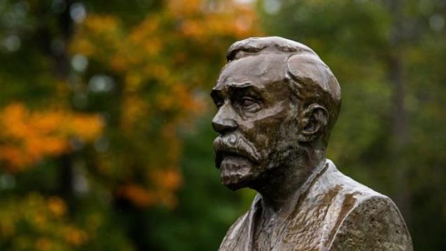 ألفريد نوبل: أكثر من قرن على وفاة مخترع الديناميت