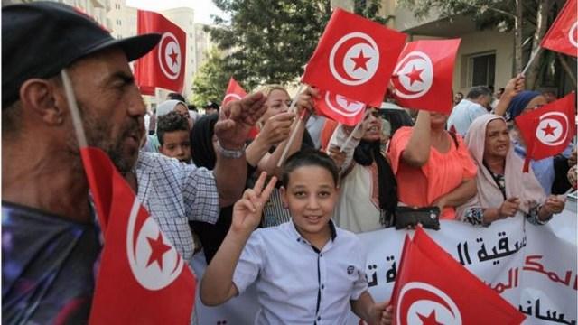 الشعبية تهنئ الشعب التونسي بنجاح الانتخابات البرلمانية والرئاسية