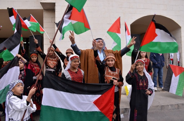 فنانون فلسطينيون ولبنانيون يتضامنون مع القدس.. أغان وطنية وتراثية