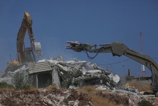 تهجير مئات الفلسطينيين على طريق ضمّ الضفة- بيروت حمود