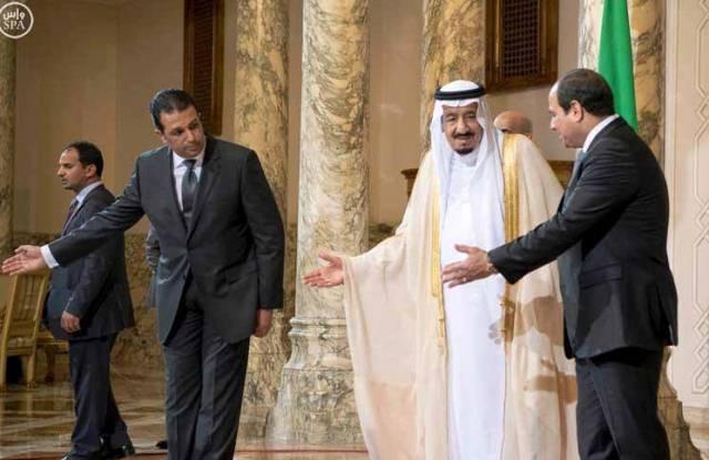 لماذا تنام نواطير مصر عن ثعالبها؟