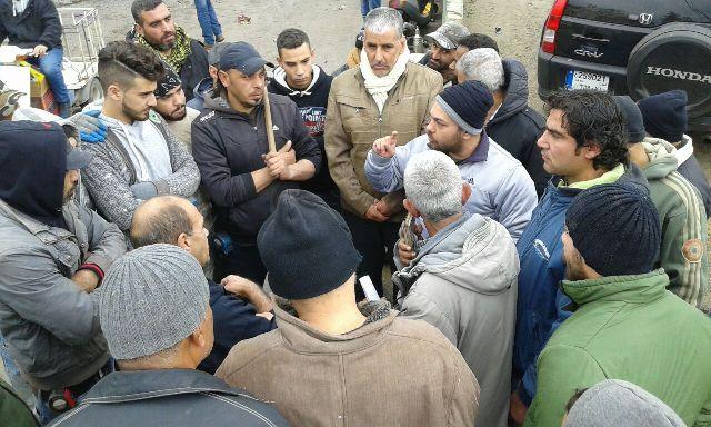 الصليب الأحمر الدولي بالتعاون مع اللجان الشعبية يبدأ مشروع تجهيز مقبرة في مخيم البداوي