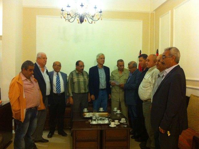 وفد من اتحاد نقابات عمال فلسطين يزور الدكتور أسامة سعد