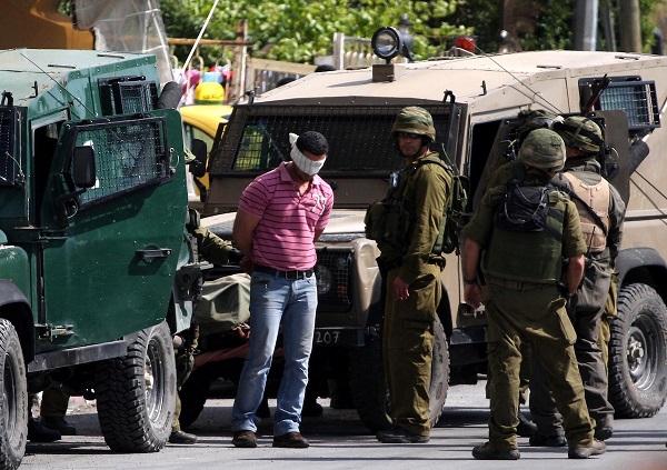 حملة اعتقالات صهيونية بمناطق متفرقة من الضفة المحتلة
