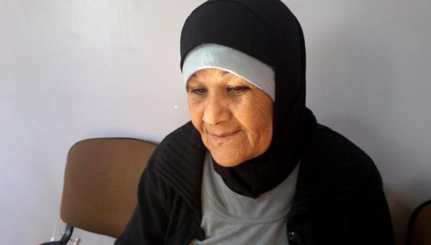 رسمية امرأة مكافحة من مخيم عين الحلوة