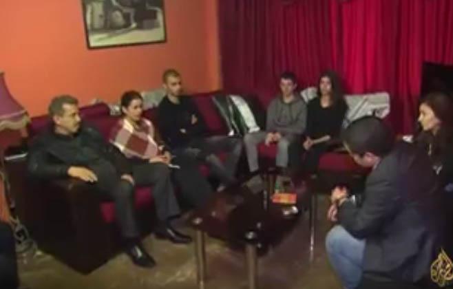 بالفيديو.. عائلة عمر النايف تكشف للجزيرة عن تفاصيل مثيرة