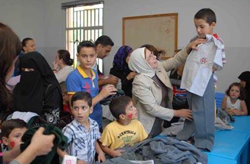 الطلاب الفلسطينيون النازحون: تعليم بـ شق النفس
