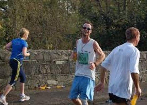 الركض إلى الخلف .. رياضة جديدة قد تُسهم بالتخلص من الوزن الزائد