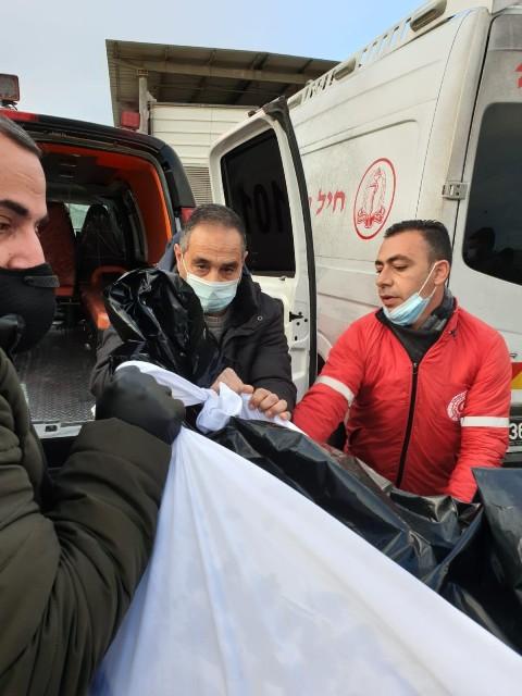 سلطات الاحتلال تسلّم جثمان الأسير الشهيد داود الخطيب