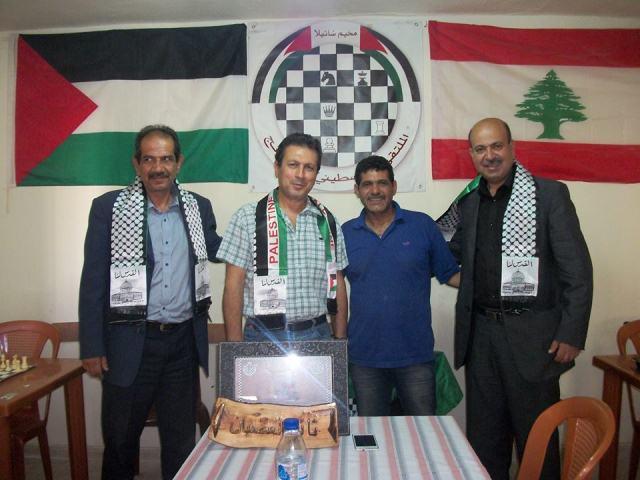 رجل الاعمال الفلسطيني السيد ثائر الغضبان في زيارة الملتقى الفلسطيني للشطرنج - مخيم شاتيلا .