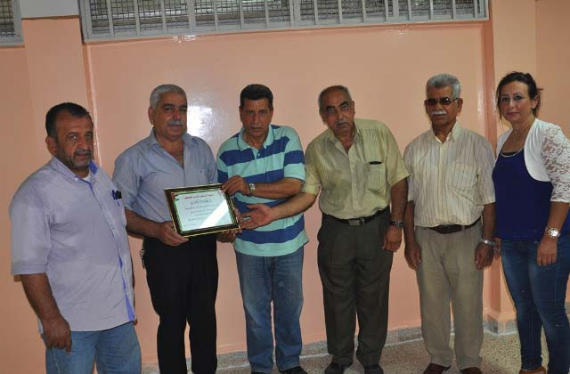 الجبهة الشعبية لتحرير فلسطين في صيدا كرّمت إدارة مدرسة الفالوجة