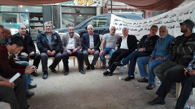 وفد من الجبهة الشعبية في الشمال زار خيمة الإعتصام ضد قرارات الأنروا