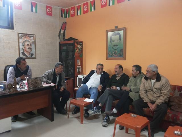 اجتماع قوى اليسار الفلسطيني في منطقة صيدا وزيارة لخيمة الاعتصام في موقف باصات الأنروا