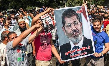 مصر ليست الإخوان والسيسي، وفلسطين ليست حماس - نضال حمد