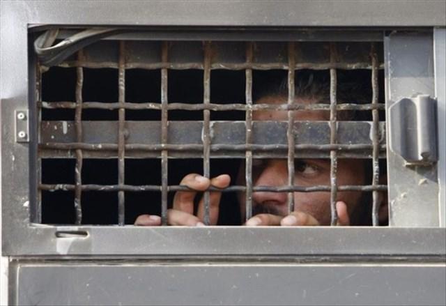 الشعبية تهنئ الحركة الأسيرة وأسرى الجهاد بانتصارهم على السجان الصهيوني
