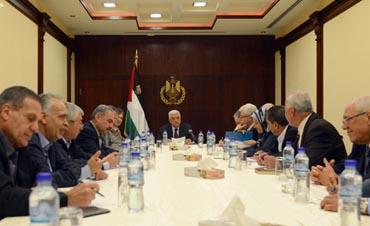 مركزية فتح ترفض كافة الضغوط وتؤكد على موقفها الثابت من استحقاقات عملية السلام