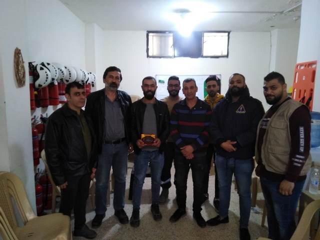 الجبهة الشعبية تكرم الدفاع المدني الفلسطيني و حملة آمنون في مخيم شاتيلا