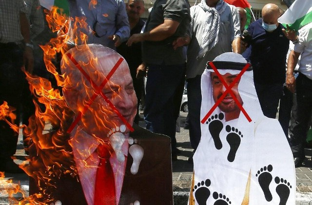 يجب مقاطعة بن زايد وطرد سفرائه أسرى الشعبية: اتفاق العار بين الإمارات والكيان خيانة واضحة وصريحة لقضية فلسطين ولتضحيات أمتنا العربية