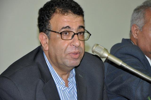 بين روح الأدب والرومنتطيقية الثورية - مروان عبدالعال