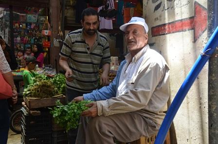 بالفيديو والصور... سوق مخيم عين الحلوة في شهر رمضان