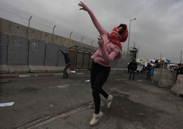 الشعبيّة: المرأة هي حارسة الوجود الفلسطيني ومتراس الدفاع عن الهويّة والثوابت الوطنيّة