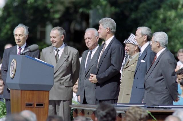 أوسلو: تاريخ يميني عندما كان الجميع يتحدث عن السلام (2-4)