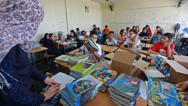 مدارس لبنان تضيق بالفلسطينيين