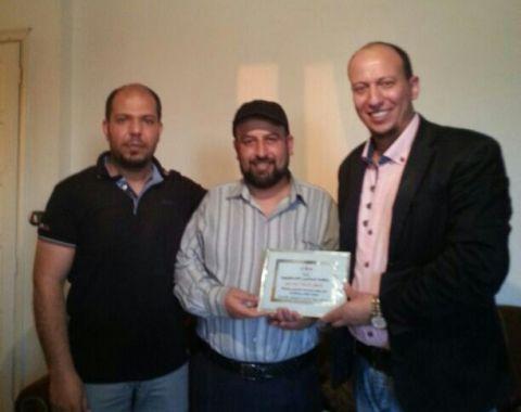 منظمة المعلمين الفلسطينيين  في الشمال تتضامن مع معلمة في مدارس الأنروا
