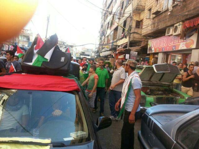 مسيرات جماهيرية غاضبة في مختلف المخيمات الفلسطينية والمناطق اللبنانية