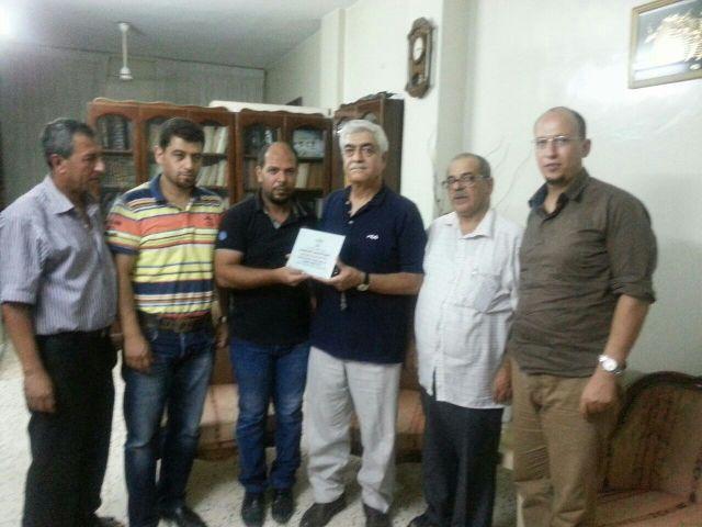 منظمة المعلمين والموظفين الفلسطينيين في الشمال قدمت دروعاً تكريمية