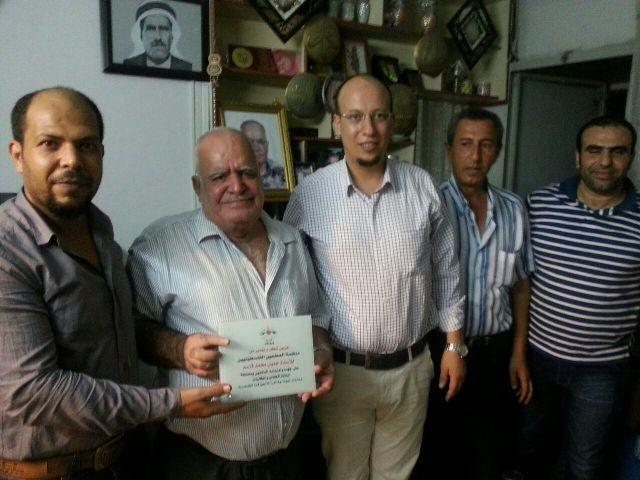 وفد من منظمة المعلمين والموظفين الفلسطينيين زار عائلات المعلمين