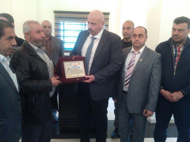 وفد من قيادة المقاومة للفلسطينية في الشمال شارك بافتتاح القصر البلدي لبلدية البداوي