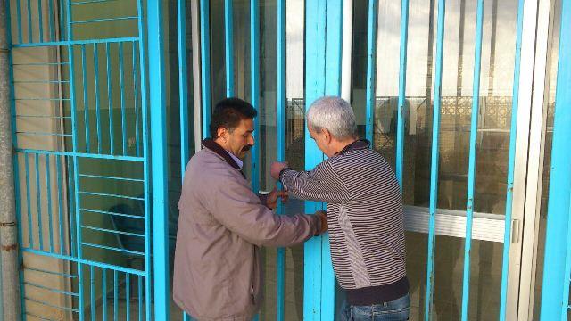 إغلاق عيادة الأنروا لمدة ساعتين في مخيم نهر البارد