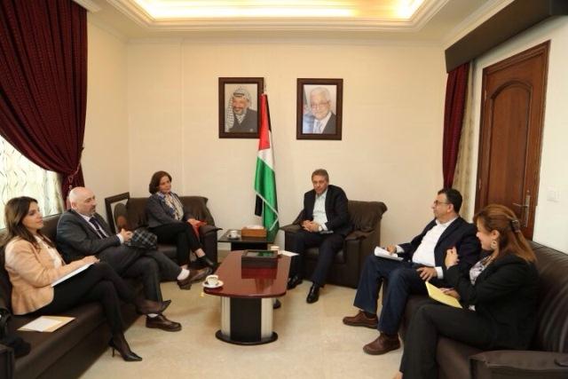 السفير الفلسطيني في لبنان اشرف دبور التقى مدير عام الانروا بالوكالة هيلي اوزيكولا