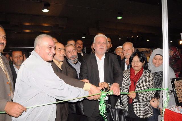 أبوالعردات يفتتح جناح دولة فلسطين في معرض الكتاب الـ41