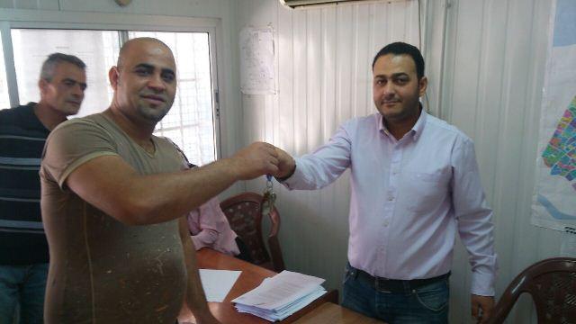 استمرار تسلم مفاتيح البيوت في المرحله الرابعه من اعمار مخيم نهر البارد