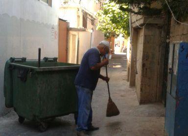 رسالة إنصاف وتقدير وعرفان لعمال النظافة العاملين في مؤسسة الأنروا في مخيم البص