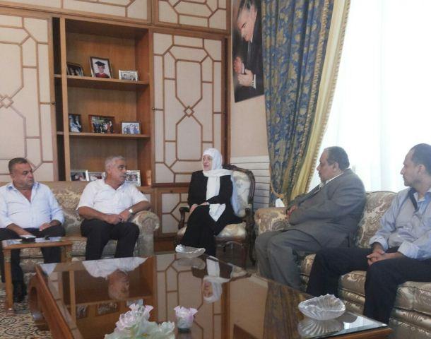 اتحاد العاملين في الأنروا يلتقي النائب بهية الحريري