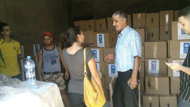 توزيع مساعدات مقدمة من من الـ UNDP في مخيم البداوي