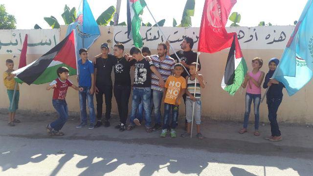 دعما لصمود شعبنا حملة إعلامية لمنظمة الشبيبة الفلسطينية في مخيم الرشيدية