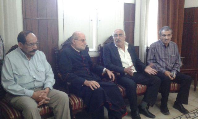 خلال استقباله وفدا من الجبهة الشعبية، المطران شكر الله الحاج: