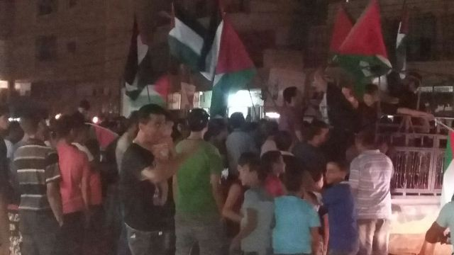 مسيرة حاشدة في مخيم نهر البارد دعماً لانتفاضة الشعب الفلسطيني
