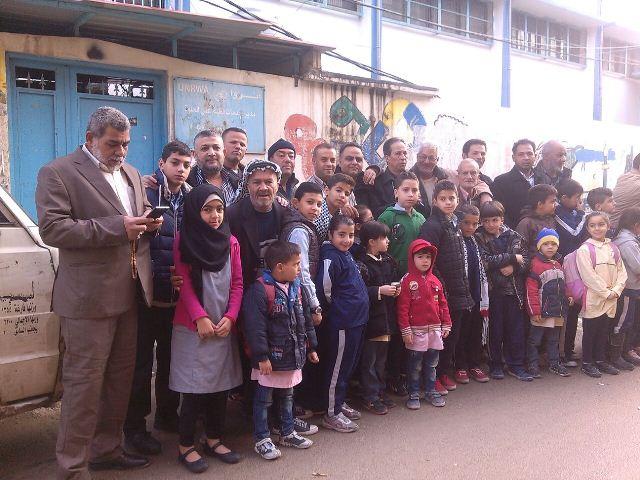 اللجان الشعبية الفلسطينية تغلق مكاتب الأنروا في صيدا وعين الحلوة والبقاع
