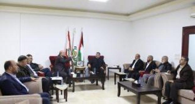 الشعبية تلتقي بوفد من حركة حماس قادم من غزة