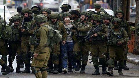 نادي الأسير: 250 طفلاً داخل سجون الاحتلال وأوضاع الأسرى صعبة للغاية