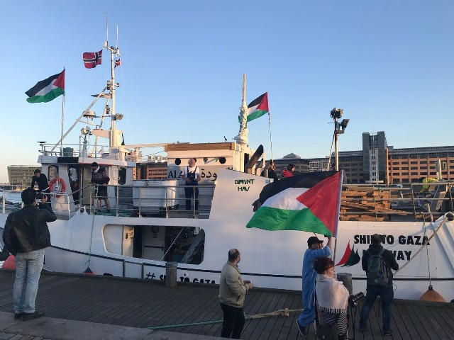 الشعبية: اعتداء الاحتلال على سفينة كسر الحصار قرصنة وإرهاب منظم